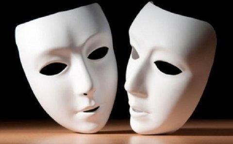 انتقاد یک نویسنده از بی توجهی مسئولان به تئاتر شهرستان ها