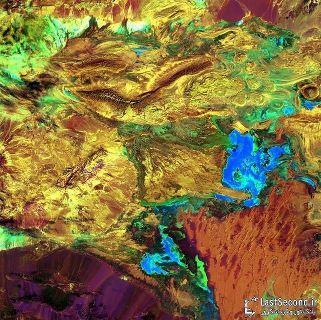 تابلوی نقاشی زمین