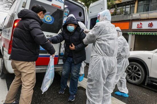 چین واشنگتن را به ایجاد جو ترس و وحشت در باره کرونا ویروس متهم کرد