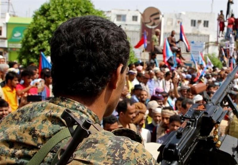 یمن، تقابل شبه نظامیان تحت حمایت امارات با نظامیان سعودی در عدن
