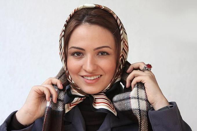 حضور گلاره عباسی و نرگس آبیار در اصفهان و نقد فیلم اشیا در آینه