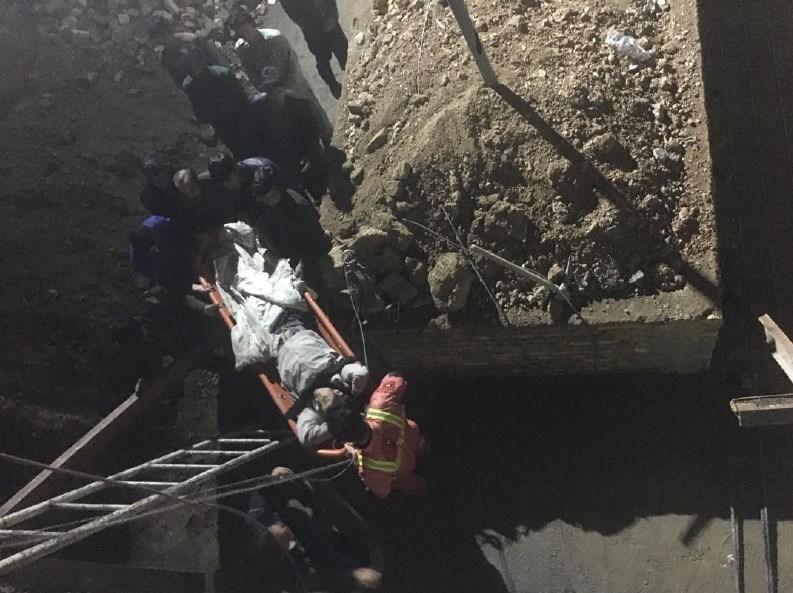 ریزش آوار بر سر 3 کارگر در محل گودبرداری شده