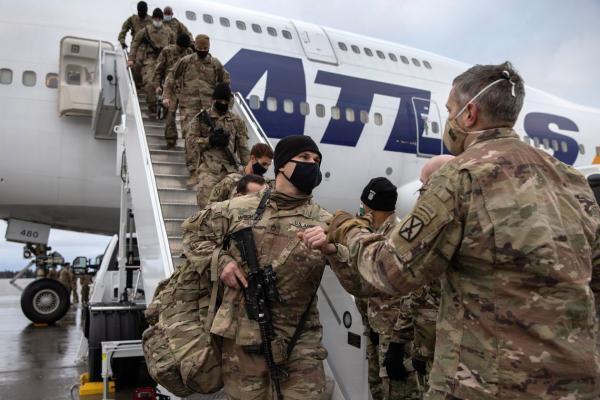 طرح خروج نیروهای آمریکایی از عراق و افغانستان بازنگری می گردد