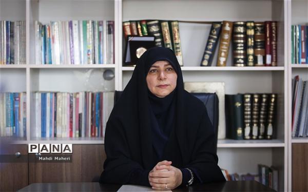 تدوین بسته های آموزشی برای زنان فرهنگی سرپرست خانوار
