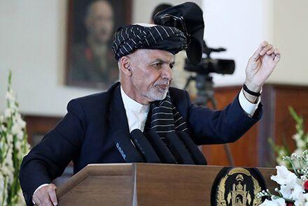 خبرنگاران اشرف غنی طالبان را مسئول حمله به مدرسه کابل دانست