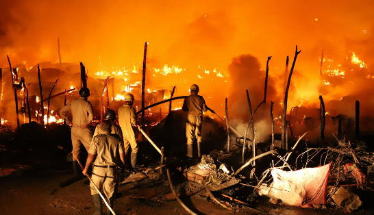 آتش سوزی بزرگ در اردوگاه مهاجران روهینگیا، صدها نفر آواره شدند
